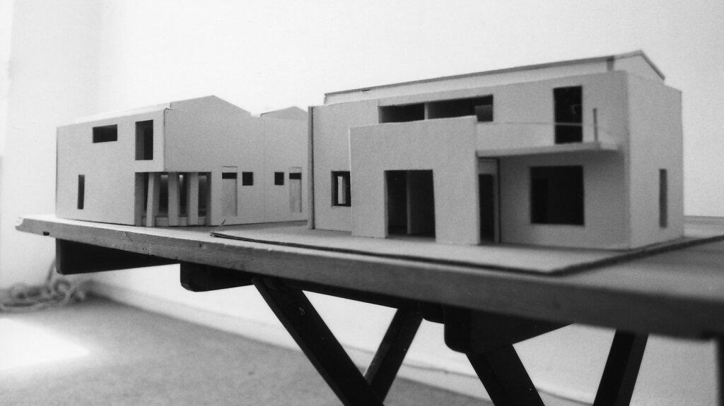 Siedlung aus Einfamilien- u. Doppelhäusern